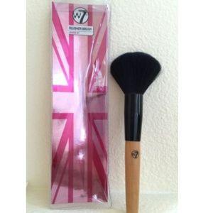 Warpaint Cosmetics London W7